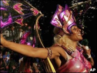 Участница карнавала в Ноттинг Хилле