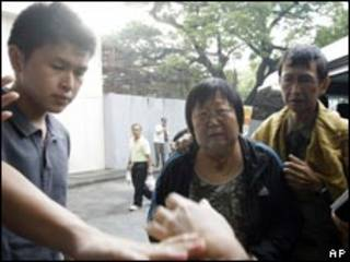 Thân nhân nạn nhân vụ bắt con tin ở bệnh viện