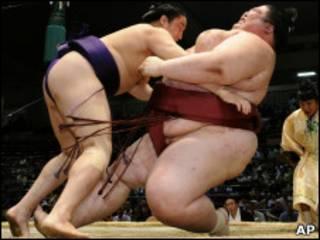 Lutadores de sumô (arquivo/AP)