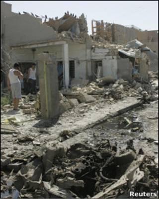 На месте одного из взрывов: Рамади