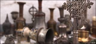 اشیای عتیقه کشف شده در ایران