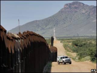 Frontera entre Arizona y México. Foto de archivo.