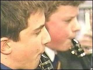 学生吹乐器