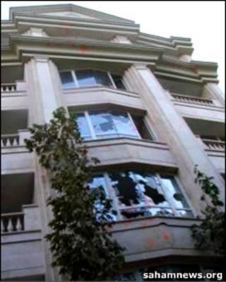 ساختمانی که منزل مهدی کروبی در آن است
