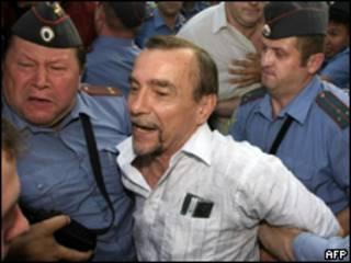 Задержание Льва Пономарева