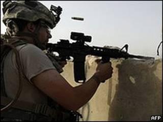 Soldado americano luta no Afeganistão (AFP)