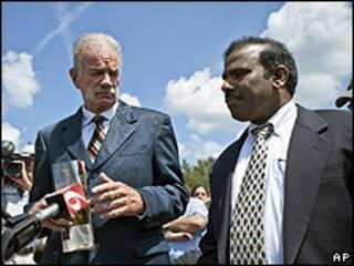 Terry Jones e KA Paul, durante entrevista coletiva nesta sexta-feira