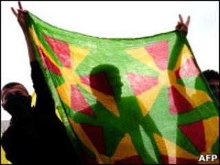 پرچم سنتی حزب دموکرات کردستان