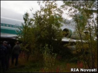 Ту-154 на месте вынужденной посадки в Ижме