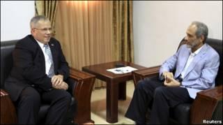غازي صلاح الدين مستشار الرئيش السوداني المكاف بملف دارفور يلتقي مع جريشن (18/08/10)