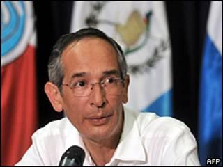 Presidente de Guatemala, Álvaro Colom