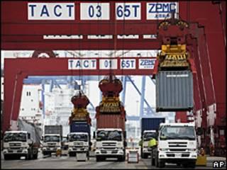 Porto de Tianjin, China (AP)