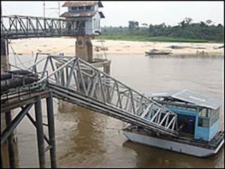 Las autoridades en Perú habían declarado la alerta roja por el descenso de las aguas en el Amazonas (Foto: Agencia Peruana de Noticias Andina)