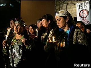 Un grupo de mapuches se manifiestan en Santiago