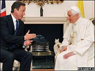 پاپ و کامرون
