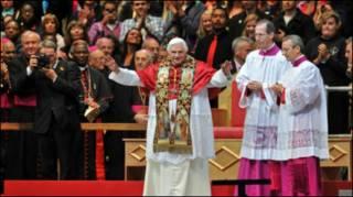लंदन की प्रार्थना सभा में पोप बेनेडिक्ट सोलहवें