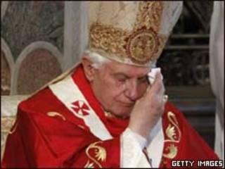Bento 16 durante missa em Londres neste sábado (Getty Images, 18 de setembro)