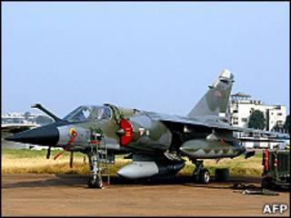 Французский военный самолет Mirage