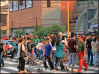 Peatones en Caracas