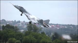 Испытания российского истребителя Т-50 в Подмосковье