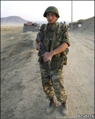 Российский солдат на военной базе в Буйнакске, Дагестан