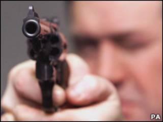 Человек с пистолетом