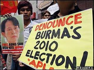 Partidarios de Aung San Suu Kyi