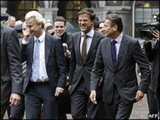 Da esq. para dir.: Geert Wilders, Mark Rutte e Maxime Verhagen