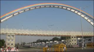 नेहरु स्टेडियम के पास पुल.