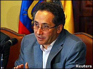 Ministro de Seguridad de Ecuador, Miguel Carvajal.