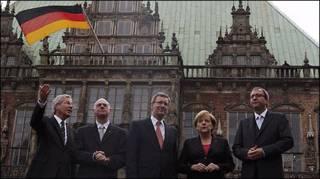 प्रमुख नेताओं के साथ चांसलर एंगेला मर्केल और राष्ट्रपति क्रिस्चियन वुल्फ