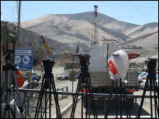 Câmeras nos arredores de mina chilena