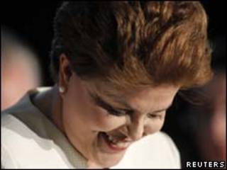 A candidata do PT, Dilma Rousseff, durante pronunciamento na noite deste domingo (Reuters)