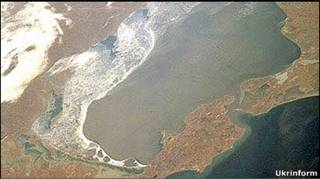 Керченська протока (фото з космосу)