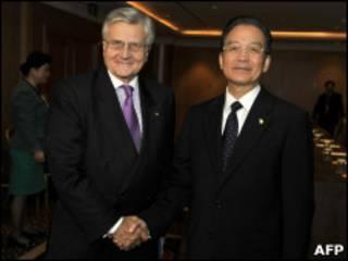 Presidente del BCE Jean Claude Trichet y primer ministro Wen Jiabao