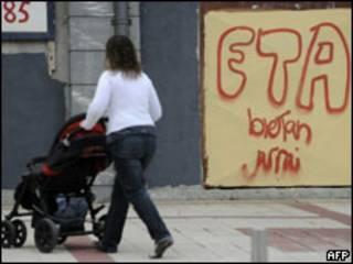 Cartaz de apoio ao ETA na Espanha