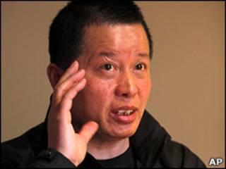 高智晟在北京某茶館接受採訪(07/04/2010)