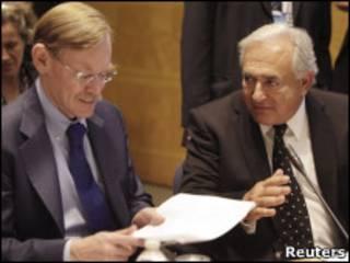 O diretor do FMI Dominique Strauss-Kahn e o presidente do Banco Mundial Robert Zoellick