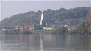 Костьол на хорватському березі Дунаю, фото Бориса Варґи