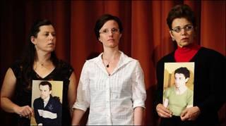 مادران دو آمریکایی در کنار سارا شورد
