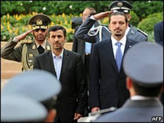 Mahmkoud Ahmadinejad e o primeiro-ministro do Líbano, Saad Hariri, em Beirute