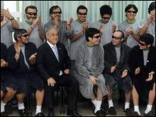 رئیس جمهور شیلی در میان معدنچیان نجات یافته