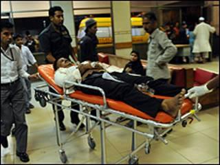 احد المصابين في هجمات السبت