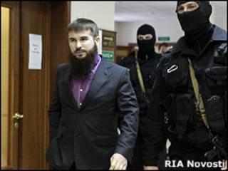 Иса Ямадаев на оглашении в Мосгорсуде приговора обвиняемым в убийстве его брата - Руслана Ямадаева