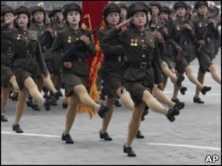 استعراض عسكري في كوريا الشمالية