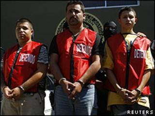 Presuntos sicarios de cartel de drogas en México