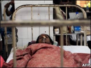 Лечение больных малярией в Индии