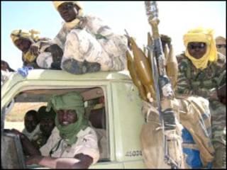 مسلحون تابعون لاحدى الحركات المتمردة في دارفور