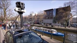 Машина с камерами Google