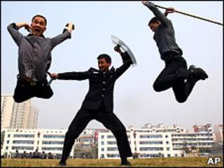 Тренировка китайских полицейских